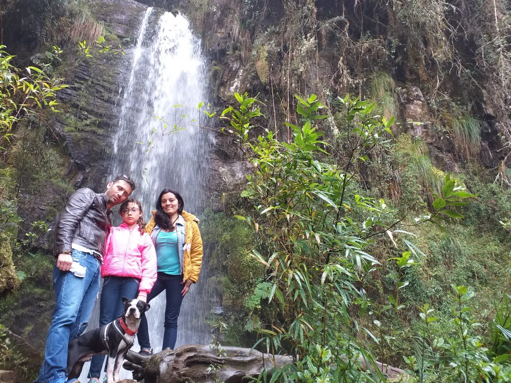 Familika cascadas